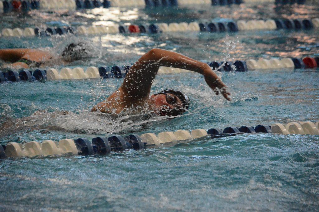 PHOTOS: Womens Swim and Dive MV Invite //MORGAN MACLEAN//