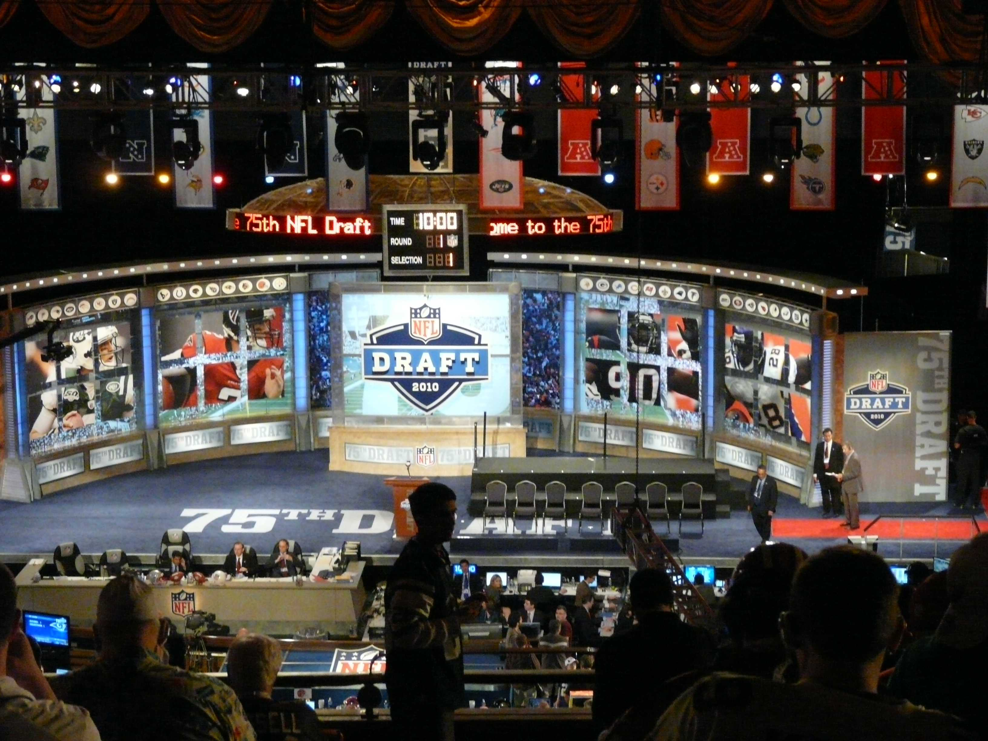 2017 NFL DRAFT: Who Should The Broncos Pick?