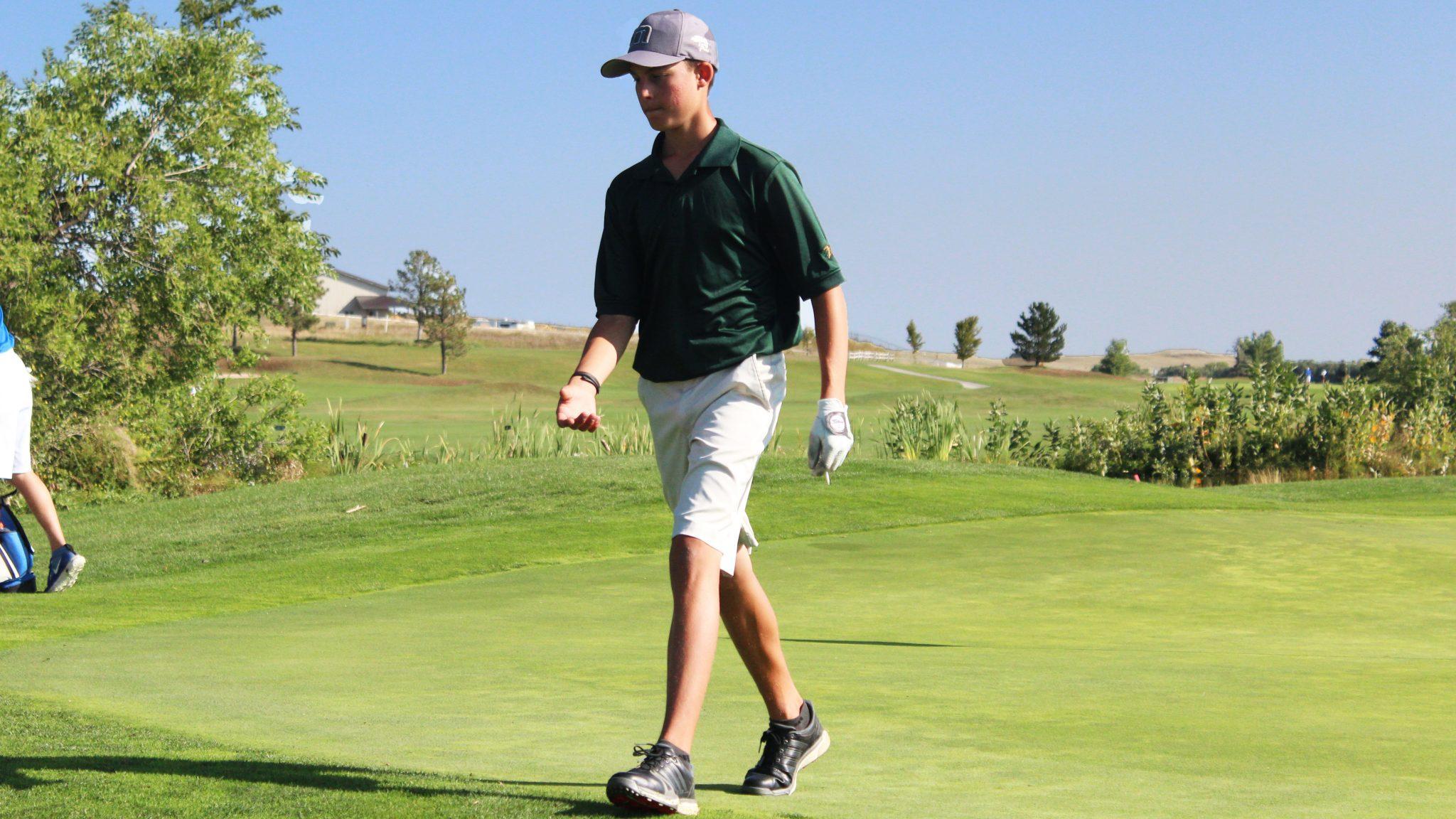 PHOTO GALLERY: Men's Varsity Golf