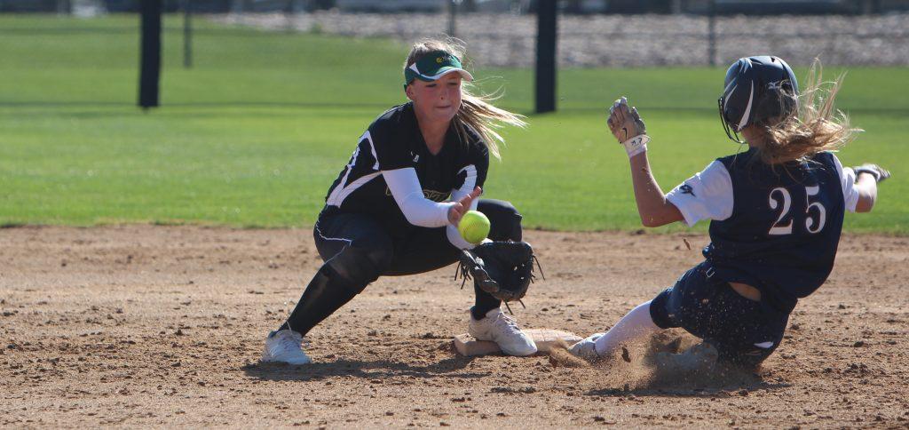 PHOTOS: Varsity Softball Advances to State