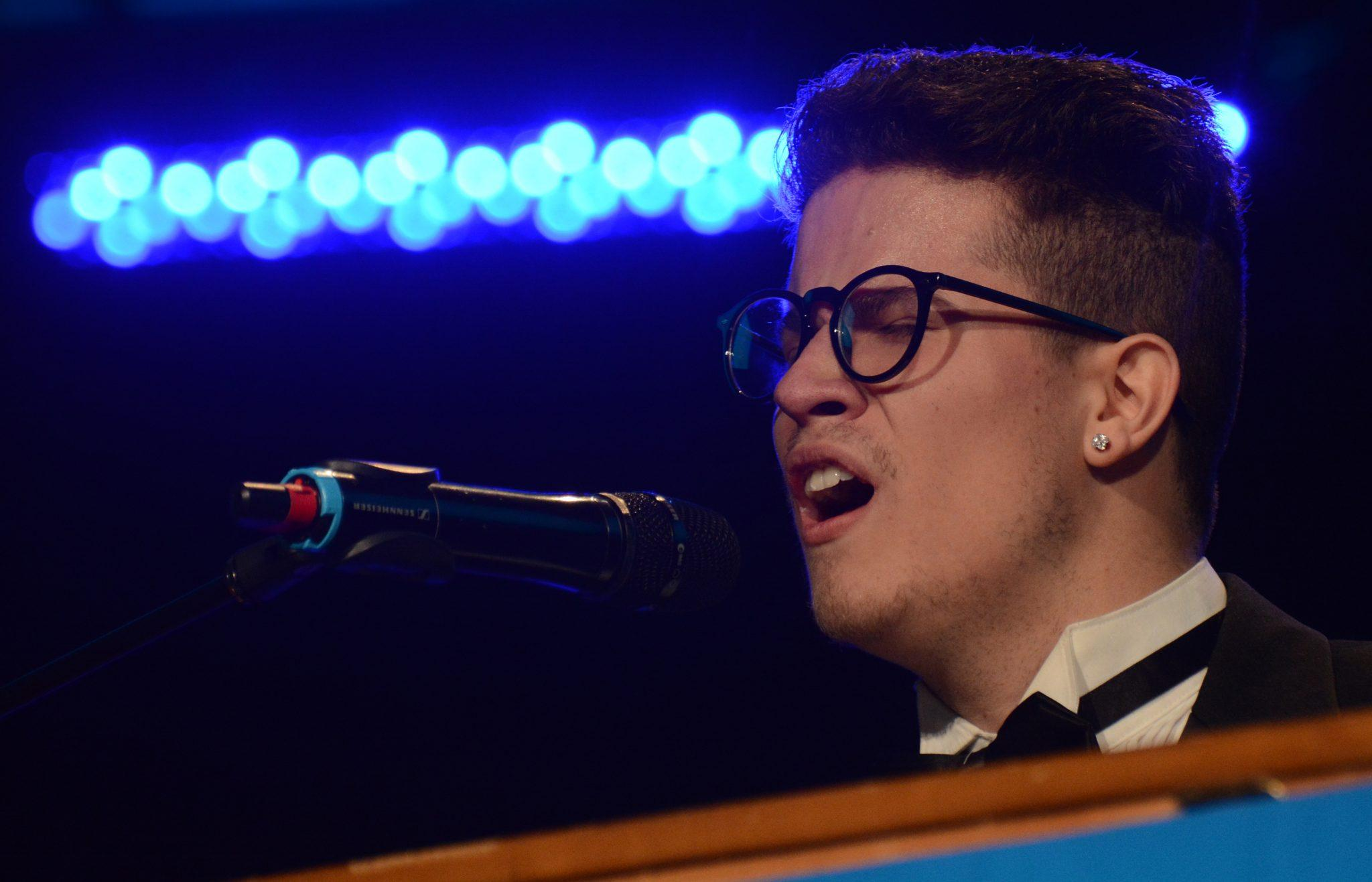 PHOTO GALLERY: Vista Idol
